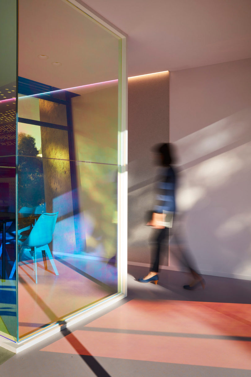 Ambience Designs An Office For Studio Y That Produces An Evolving Kaleidoscope Of Color All Day Online Home Design Blog