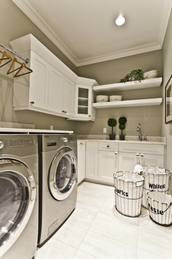 Modern style laundry room