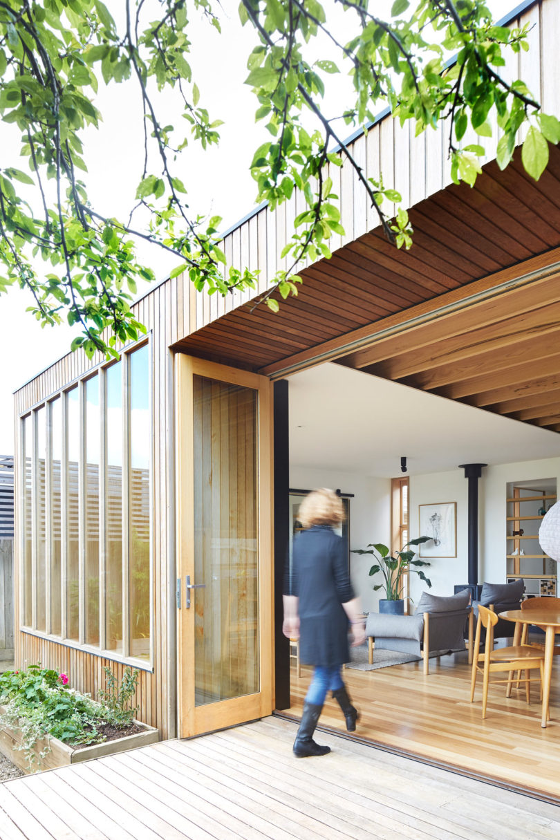 A Turn Of The Century Victorian Gets A Modern Extension Online Home Design Blog
